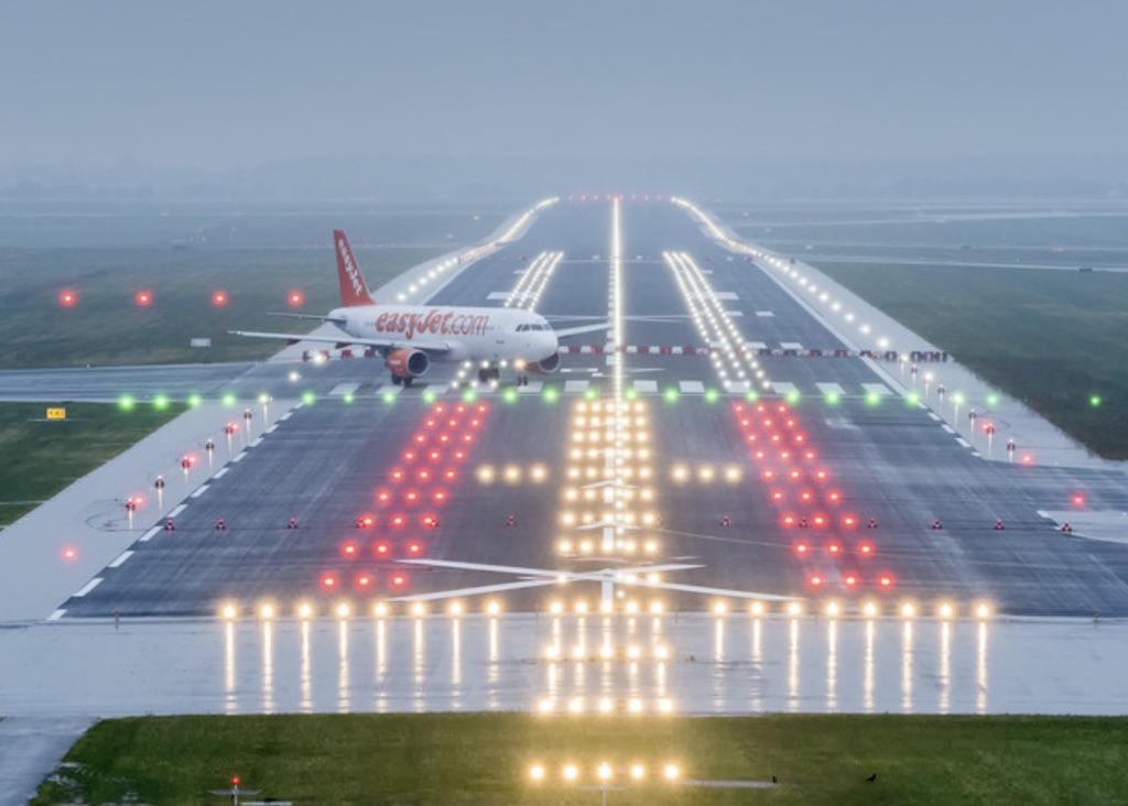 easyJet intéressée par 25 avions d'Air Berlin à Tegel