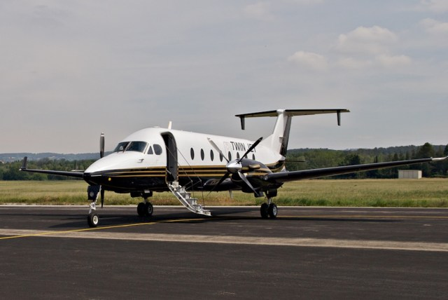Beechcraft_1900D_Twin_Jet