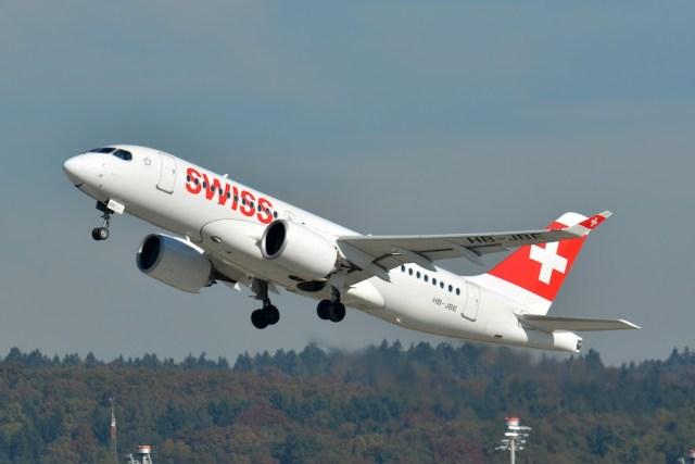 Bombardier_CS100_SWISS