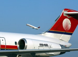 Meridiana_MD-80