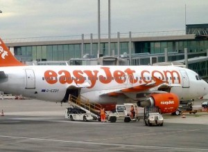 Airbus_A319_easyJet_G-EZDY_Nice