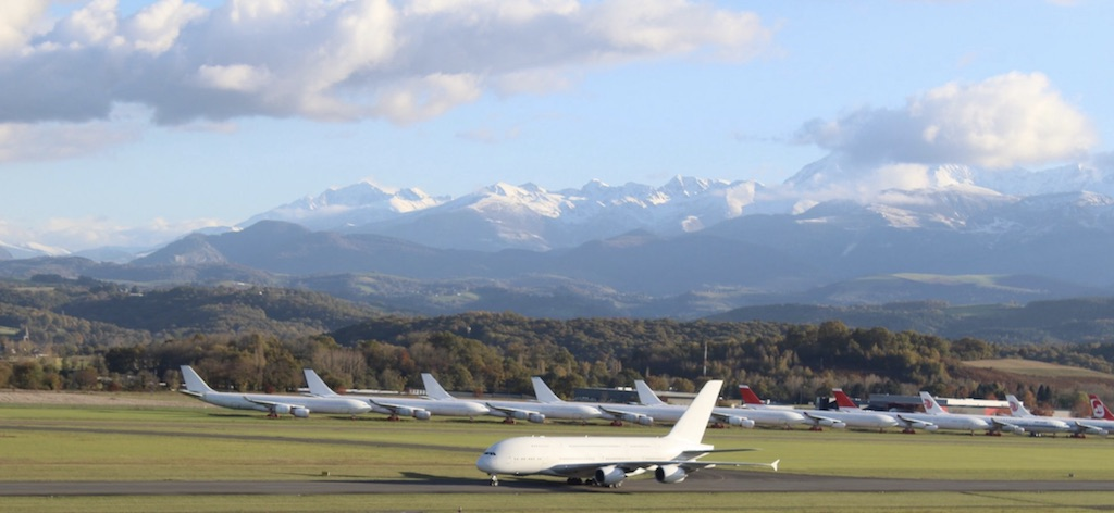 [Image: Airbus_A380_MSN003_Tarbes_Tarmac_Aerosav...;amp;ssl=1]
