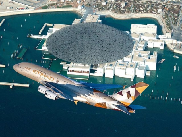 Etihad_Airbus_A380_Abu_Dhabi