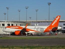 Airbus_A320neo_easyJet