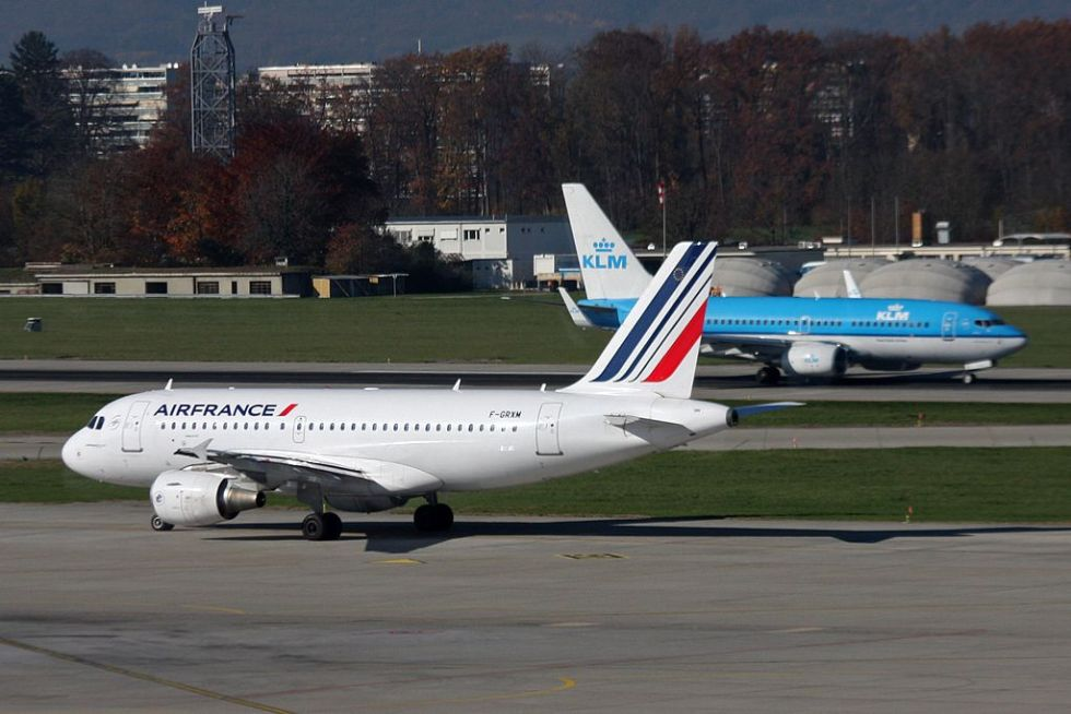Airbus_A319_Air_France_Boeing_737-800_KLM