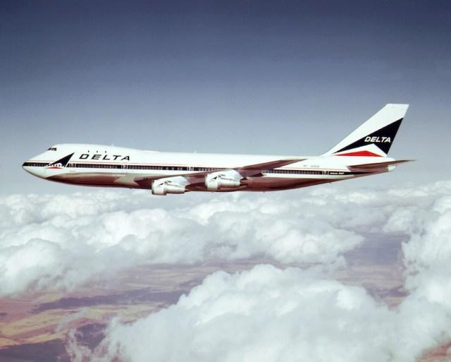 Boeing_747-100_Delta