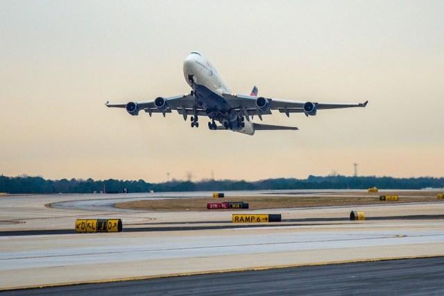 Boeing_747-400_Delta_dernier_vol_départ_Atlanta