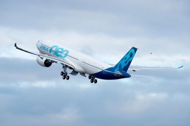 Airbus_A330-900neo-MSN1813-first-flight