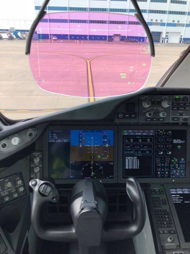 Boeing_787-9_Air_Europa_poste_pilotage