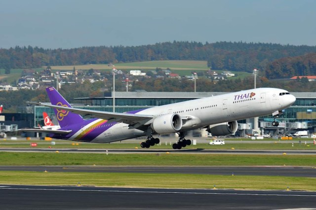 Boeing_777-300ER_Thai_Airways