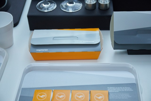 Lufthansa_nouvelle_identite_marque_menus_repas
