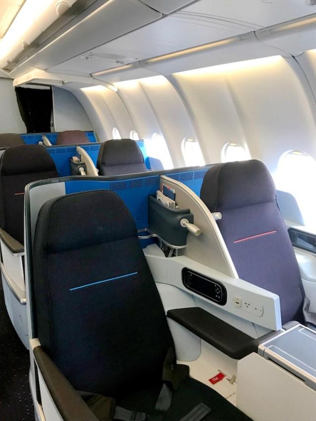 Airbus_A330-200_KLM_nouvelle_cabine_affaires