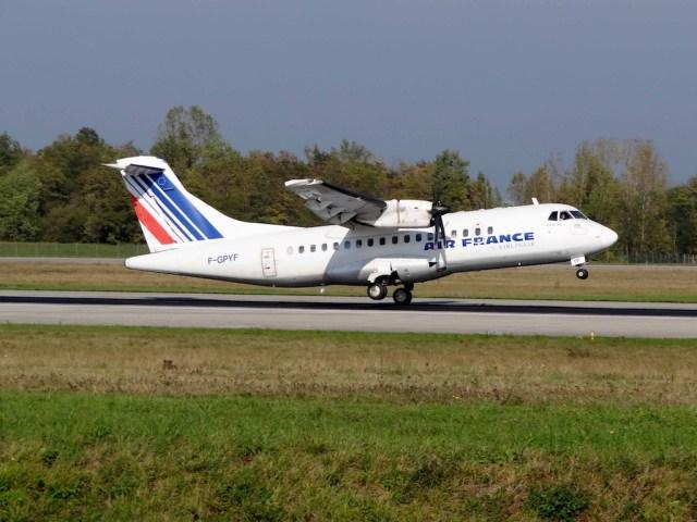 ATR_42-500_AF-GPYF_Air_France