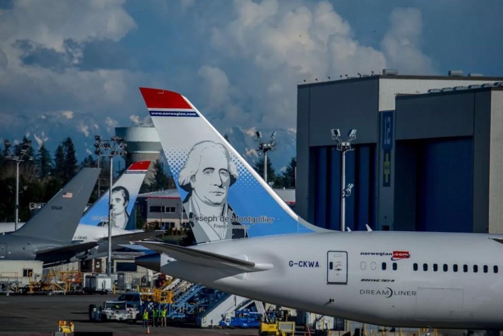 Norwegian_Boeing_787-9_G-CKWA_Heros_Montgolfier_2