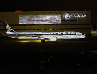Boeing_787-10_Singapore_Airlines