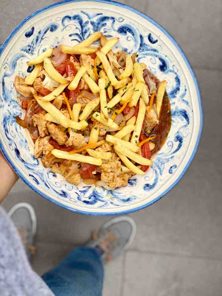 Cómo hacer saltado de coliflor y pollo muy fácil