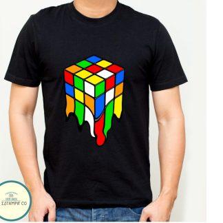 camiseta friki cubo rubik derretido para hombre en color negro manga corta