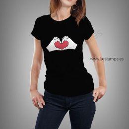 camiseta manos con corazon para mujer manga corta en varios colores