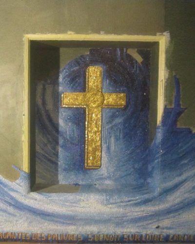 Une chapelle entièrement recouverte de mosaïque de smalts de Venise