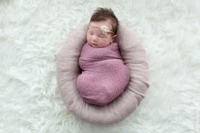 bébé pour sa photo de faire-part naissance