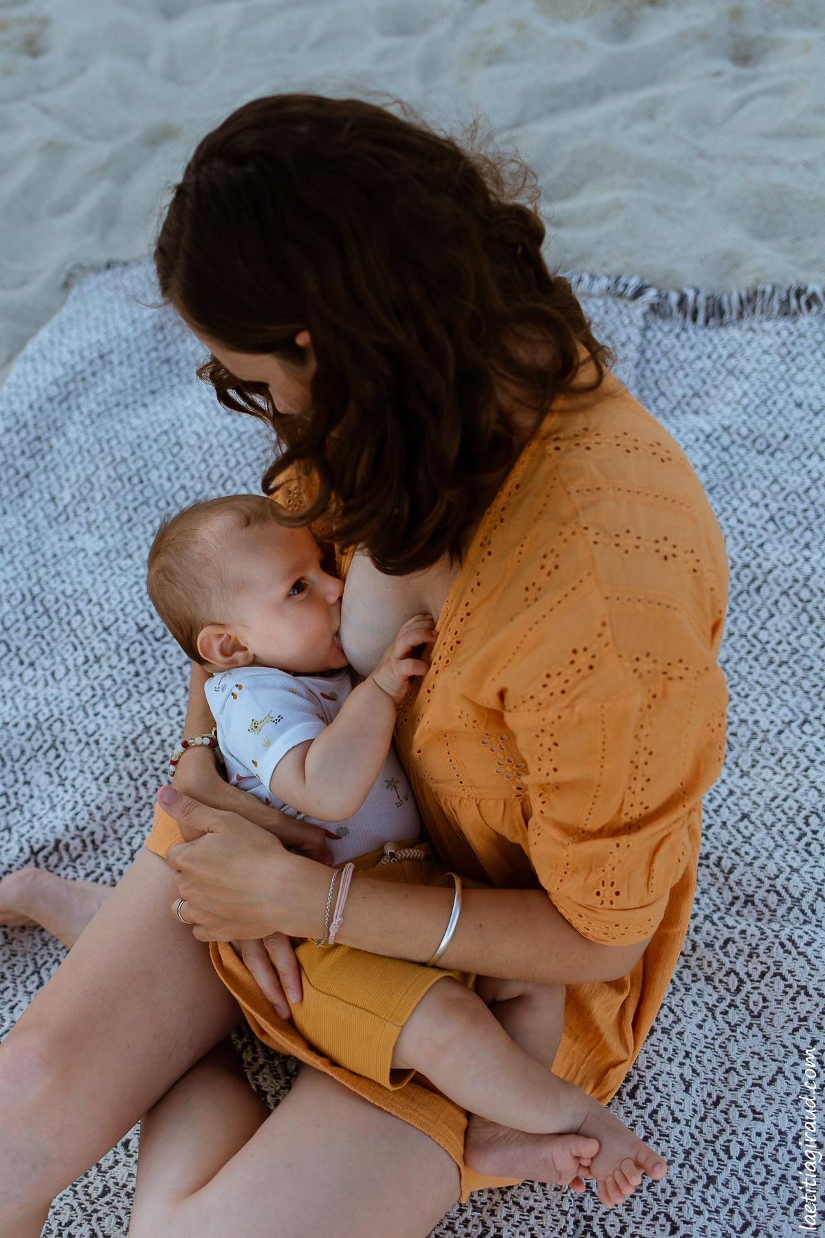photo allaitement en extérieur