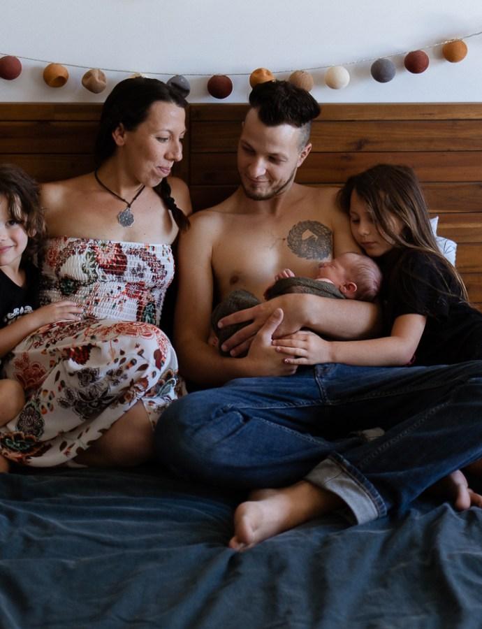 Photo naissance en toute intimité à la maison-Carpentras