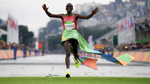 Keniata Kipchoge, oro en maratón