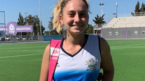 Anotando al marcador debutó en Gimnasia Rosario Dubos.