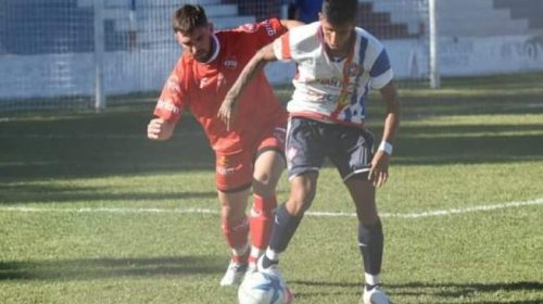 Una de cal y una de arena para Leandro Espejo en el debut de Peñarol