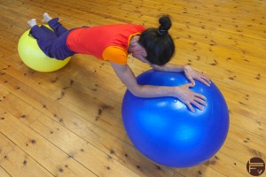 core-training-hard-exercise-swiss ball