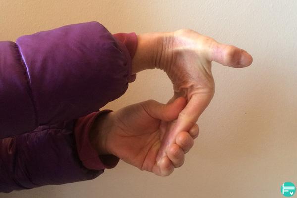 etirements-muscles-flechisseurs-prevention-blessure-escalade-entrainement
