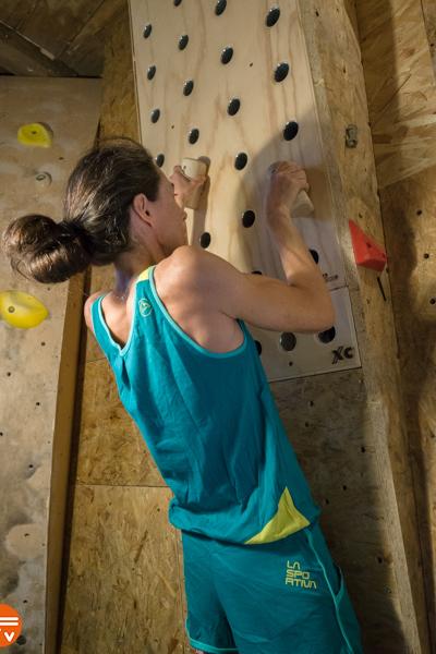 peg-board-explore-climbing-entrainement-escalade-fabrique-verticale-pinces