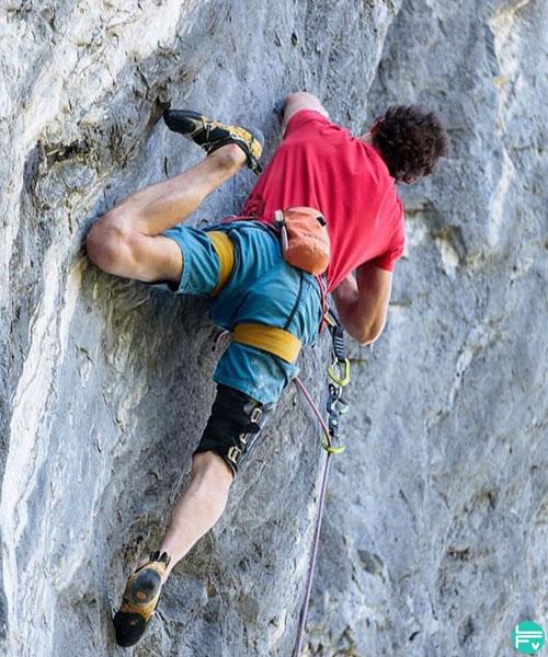 adam-ondra-drop-knee-climbing