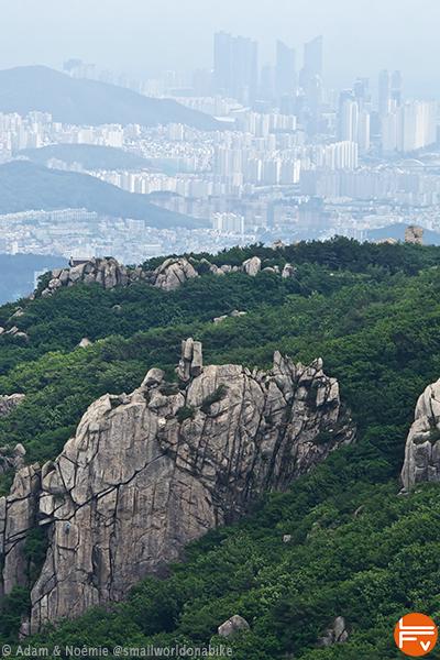 Vue de la falaise de Buchae Bali surplombant Busan, deuxième ville de Corée du sud