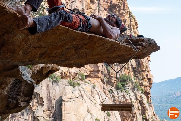 woodrock nomade à la falaise