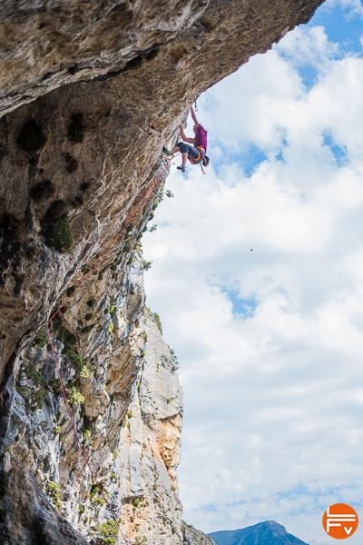 escalade en falaise dévers calacaire chaussons la sportiva python test la fabrique verticale