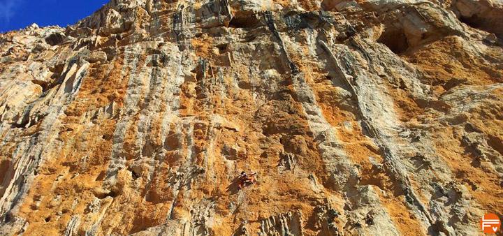 climbing-sicily-never sleeping wall