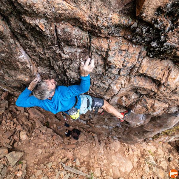 lecture en escalade grimpe a vue falaise