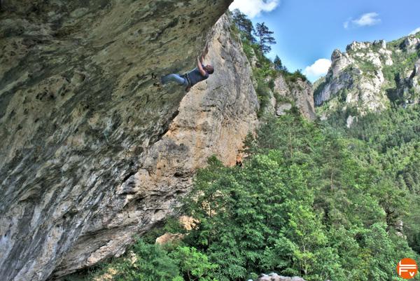 escalade-gorges-du-tarn-grimper