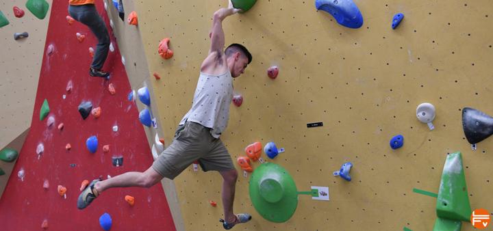boulder campusing training for climbing