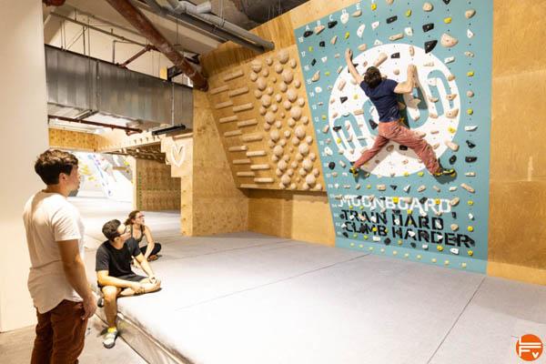 climb up lille centre moonboard pan gullich zone entrainement bloc escalade