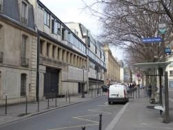 Continuer la rue (Fiszer)