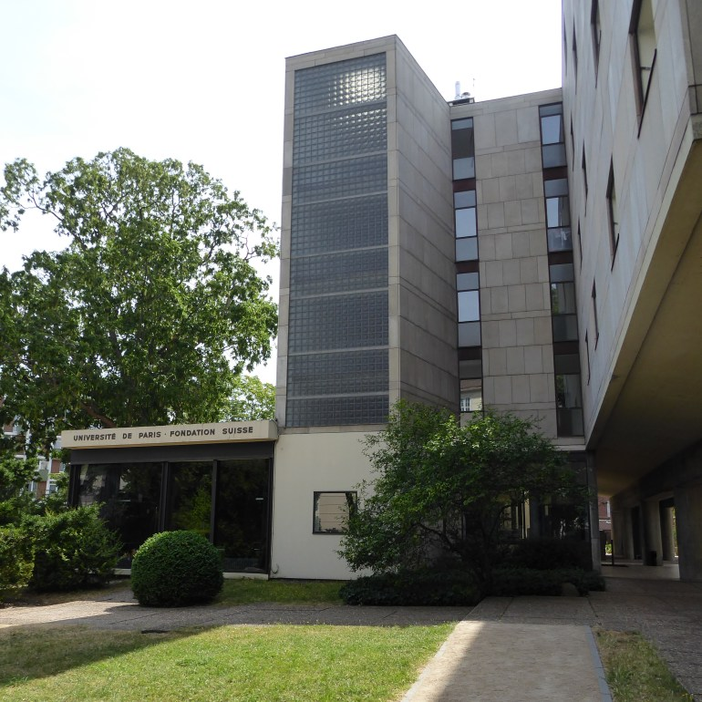 À chacun sa fonction: volumes distincts (Le Corbusier)