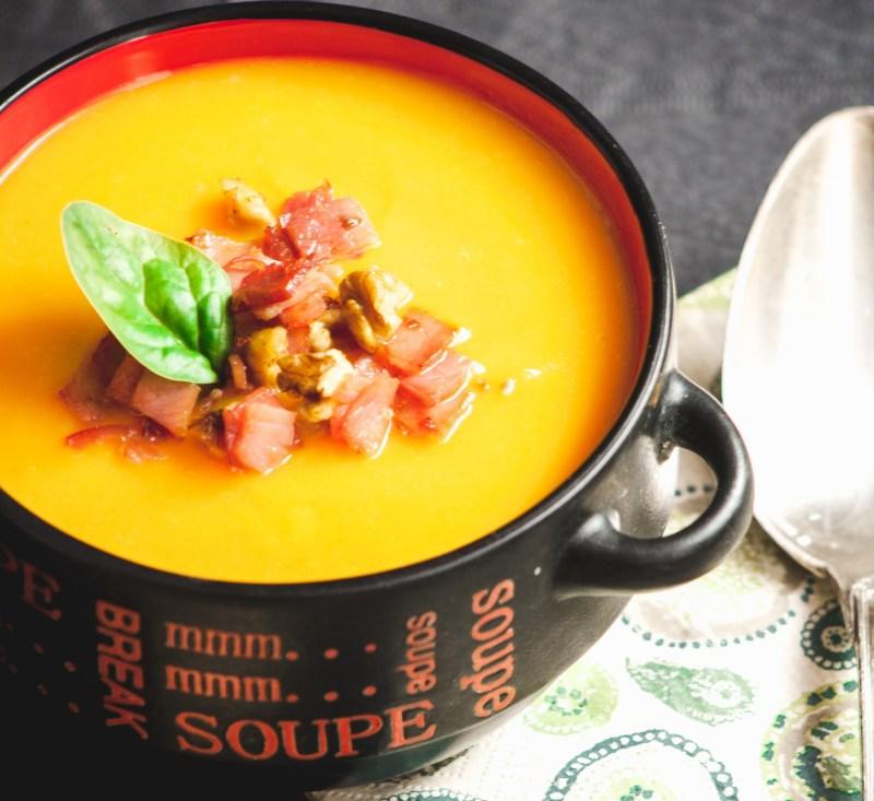 Velouté de carottes, panais et potimarron {sans gluten, sans lactose} | www.lafaimesproche.com
