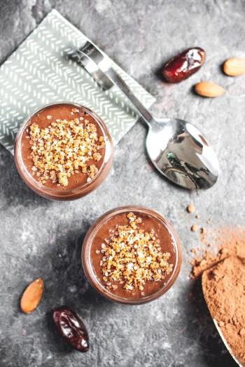 Verrines façon banoffee banane, amande, chocolat {vegan, sans gluten} | www.lafaimestproche.com