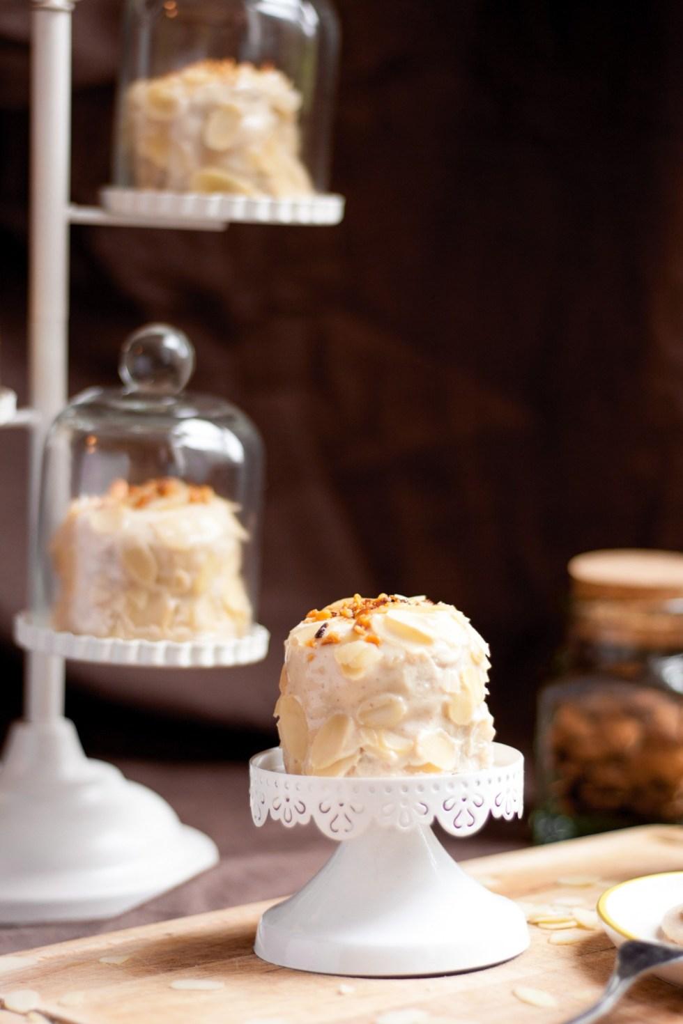 Layer crêpe cake façon frangipane {sans gluten, végétarien, sans lactose}
