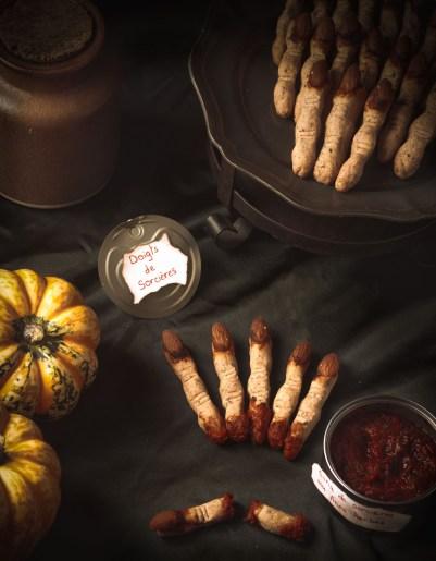 Halloween Party - #1 Doigts de sorcières et sang de sorcières aux fines herbes {vegan, IG bas} | www.lafaimestproche.com