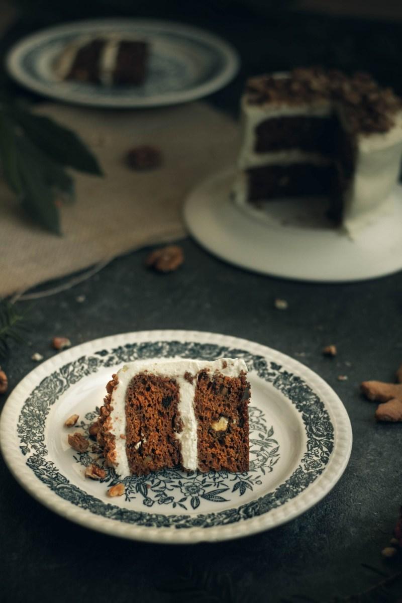 Carrot cake de Noël [sans gluten, IG modéré, végétarien} | www.lafaimestproche.com