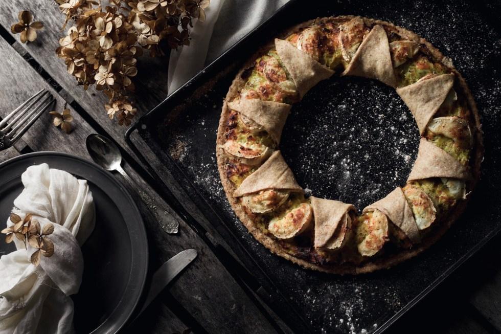 Tarte couronne poireaux, saumon fumé, chèvre et miel {IG bas} | www.lafaimestproche.com