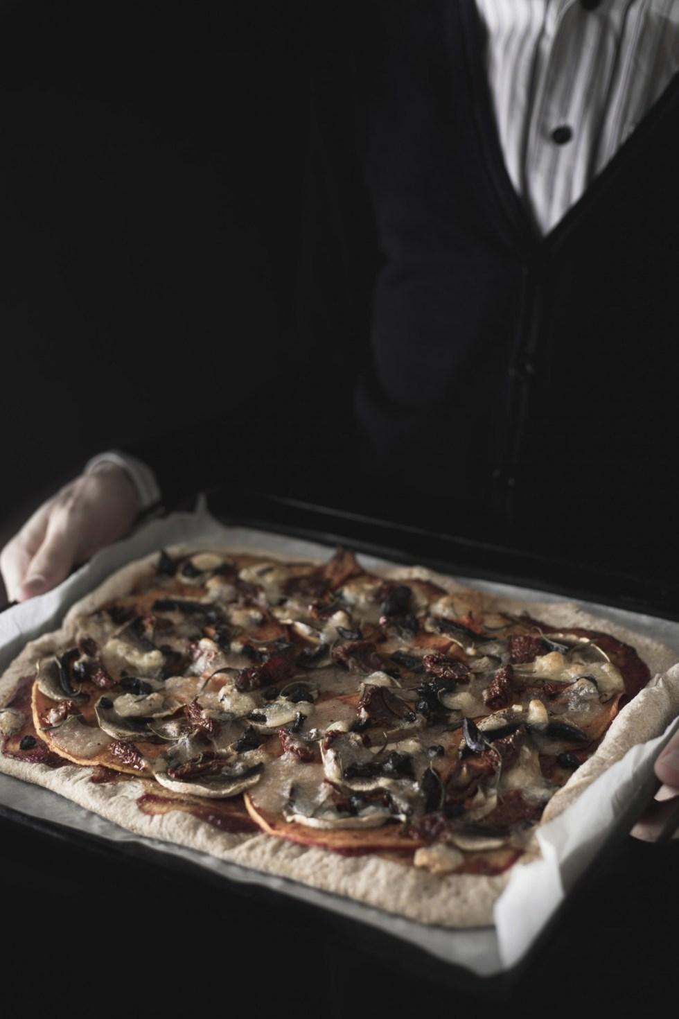 Pizza courge rôtie et tomates séchées {végétarien, IG bas} | www.lafaimestproche.com